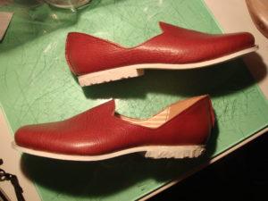 重宝するリハビリ用の靴、母のための靴作り