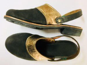 K礼子さんの最後の靴作り。重厚なサンダルです。