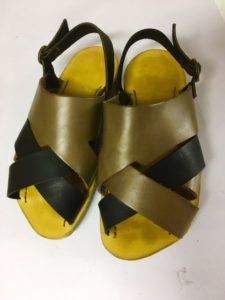 8月には靴作りはサンダルです。M章子さんの3足目