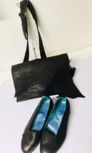黒い靴と同じ革で作ったロングバック、K純子さんの靴作り